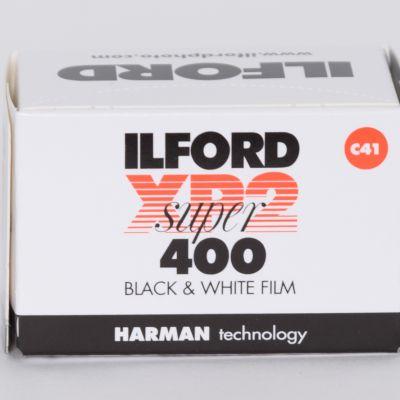 Film czarno-biały Ilford XP2 400